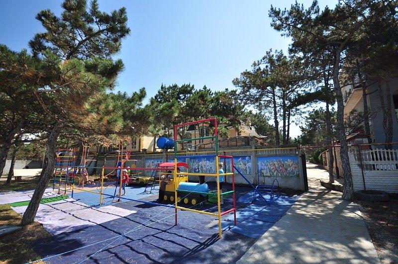 Детская площадка в Песчаном