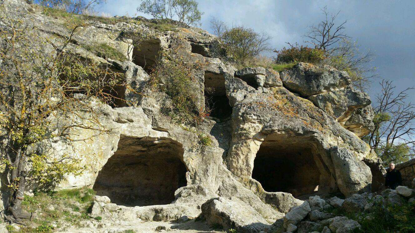 Отдых в пещерных городах в Бахчисарайском районе фото